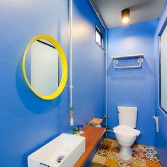 Отель bloo Hostel Таиланд, Пхукет - отзывы, цены и фото номеров - забронировать отель bloo Hostel онлайн ванная