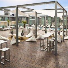 Отель The Level At Melia Barcelona Sky гостиничный бар