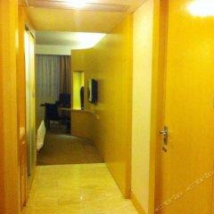 Ying Feng Hotel сейф в номере