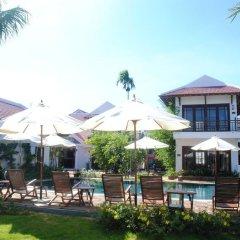 Отель Riverside Bamboo Resort Хойан бассейн