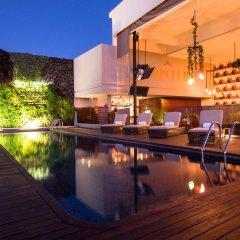 Square Small Luxury Hotel бассейн