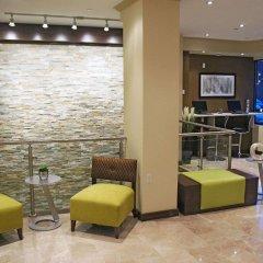 Отель La Quinta Inn & Suites Oshawa интерьер отеля