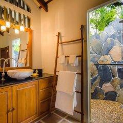 Отель Koh Jum Beach Villas ванная