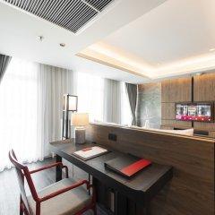 Отель Ramada Plaza by Wyndham Chao Fah Phuket в номере