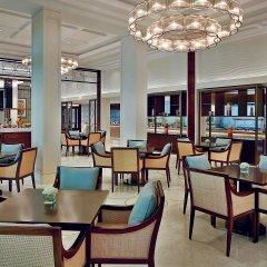 Отель The Ritz-Carlton, Dubai питание