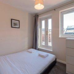 Отель 3 Bedroom Flat in Northern Quarter Manchester Великобритания, Манчестер - отзывы, цены и фото номеров - забронировать отель 3 Bedroom Flat in Northern Quarter Manchester онлайн комната для гостей фото 4