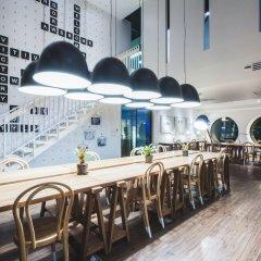 Blu Monkey Hub and Hotel Phuket гостиничный бар