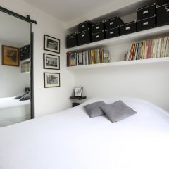 Отель Lokappart Quartier Latin Париж сейф в номере
