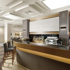 Отель Holiday Inn Athens Attica Av. Airport West гостиничный бар