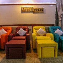 Myat Nan Yone Hotel гостиничный бар