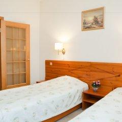 Отель Kolonna Brigita Рига сейф в номере