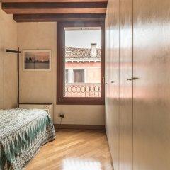 Отель La Fenice Theatre Exclusive Flat Италия, Венеция - отзывы, цены и фото номеров - забронировать отель La Fenice Theatre Exclusive Flat онлайн комната для гостей фото 2