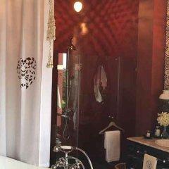 Отель Amdaeng Bangkok Riverside Hotel Таиланд, Бангкок - отзывы, цены и фото номеров - забронировать отель Amdaeng Bangkok Riverside Hotel онлайн ванная фото 2