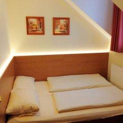 Отель Kriemhild am Hirschgarten Германия, Мюнхен - отзывы, цены и фото номеров - забронировать отель Kriemhild am Hirschgarten онлайн комната для гостей фото 5