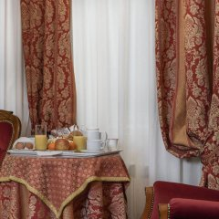 Отель Locanda al Leon 2 Венеция в номере