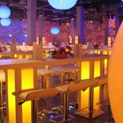 Отель Vienna House Andel´s Berlin Берлин гостиничный бар