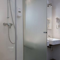 Отель Madanis Apartamentos ванная фото 2