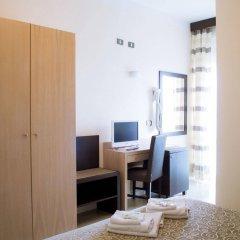 Hotel Calypso Римини комната для гостей