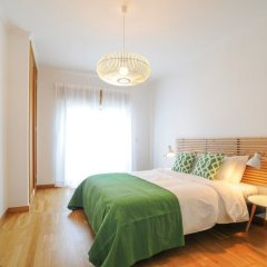 Отель Duplex Apartment - 4 Bedrooms & Garage Португалия, Лиссабон - отзывы, цены и фото номеров - забронировать отель Duplex Apartment - 4 Bedrooms & Garage онлайн комната для гостей фото 2