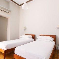 Отель Rome Accommodation - Cavour сейф в номере