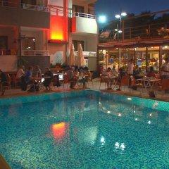 Selenium Hotel бассейн