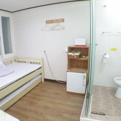 Отель Shinchon Hongdae Guesthouse спа