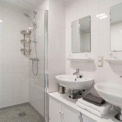 Отель Oud-West Area Apartments Нидерланды, Амстердам - отзывы, цены и фото номеров - забронировать отель Oud-West Area Apartments онлайн ванная