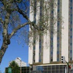 Отель Crowne Plaza Porto Порту приотельная территория