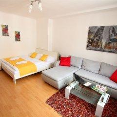 Апартаменты Checkvienna – Apartment Reumannplatz Вена комната для гостей