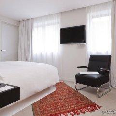 Отель La Maison Champs Elysees Париж комната для гостей