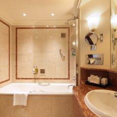 Отель Radisson Blu Edwardian Hampshire Великобритания, Лондон - 2 отзыва об отеле, цены и фото номеров - забронировать отель Radisson Blu Edwardian Hampshire онлайн ванная