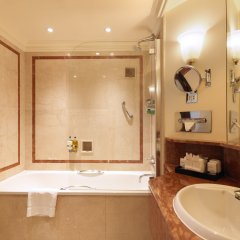 Отель Radisson Blu Edwardian Hampshire Лондон ванная фото 2
