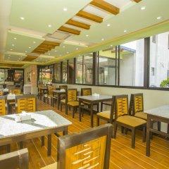 Отель OYO 150 Hotel Himalyan Height Непал, Катманду - отзывы, цены и фото номеров - забронировать отель OYO 150 Hotel Himalyan Height онлайн питание фото 3