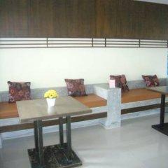 Отель Meesuk Place интерьер отеля