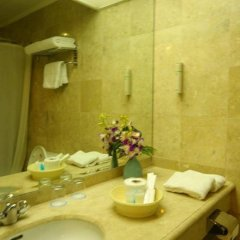 Отель Oxford Suites Makati Филиппины, Макати - отзывы, цены и фото номеров - забронировать отель Oxford Suites Makati онлайн ванная