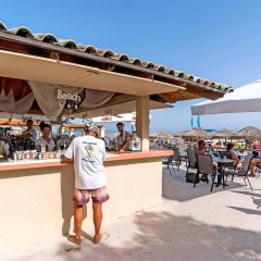 Messonghi Beach Hotel Сивота гостиничный бар