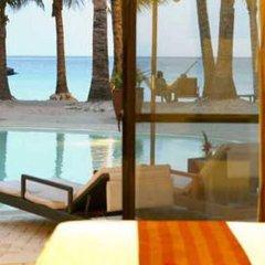 Отель Microtel by Wyndham Boracay Филиппины, остров Боракай - 1 отзыв об отеле, цены и фото номеров - забронировать отель Microtel by Wyndham Boracay онлайн балкон