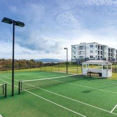 Отель Hilton Lake Taupo спортивное сооружение
