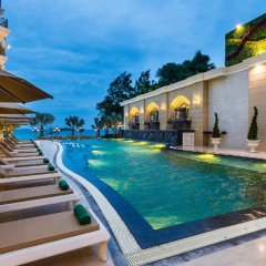 Отель LK Emerald Beach бассейн