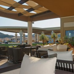 Отель La Marquise Luxury Resort Complex гостиничный бар
