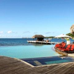 Отель Sofitel Bora Bora Marara Beach Resort Французская Полинезия, Бора-Бора - отзывы, цены и фото номеров - забронировать отель Sofitel Bora Bora Marara Beach Resort онлайн бассейн фото 3