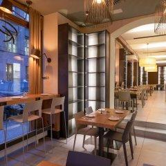 Отель Golden Crown Чехия, Прага - 7 отзывов об отеле, цены и фото номеров - забронировать отель Golden Crown онлайн гостиничный бар