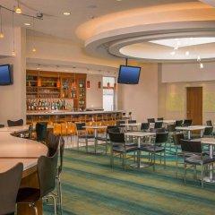 Отель SpringHill Suites by Marriott New York LaGuardia Airport США, Нью-Йорк - отзывы, цены и фото номеров - забронировать отель SpringHill Suites by Marriott New York LaGuardia Airport онлайн гостиничный бар