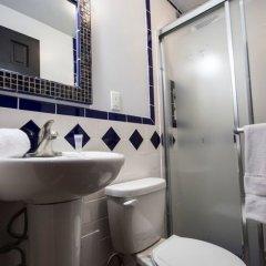 Отель Broadway Hotel & Hostel США, Нью-Йорк - отзывы, цены и фото номеров - забронировать отель Broadway Hotel & Hostel онлайн ванная фото 2