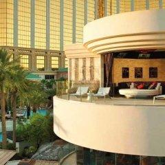 Отель Mandalay Bay Resort And Casino интерьер отеля фото 2