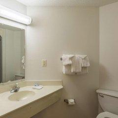 Отель Motel 6 Dale ванная