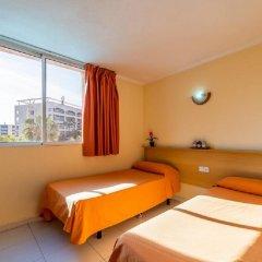 Отель Apartamentos Los Peces Rentalmar Испания, Салоу - 1 отзыв об отеле, цены и фото номеров - забронировать отель Apartamentos Los Peces Rentalmar онлайн комната для гостей фото 2