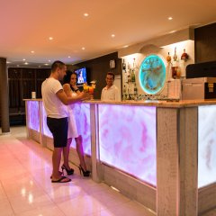Отель Sun City Hotel Болгария, Солнечный берег - отзывы, цены и фото номеров - забронировать отель Sun City Hotel онлайн интерьер отеля