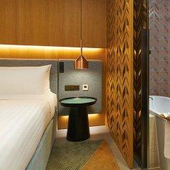 Oasia Hotel Downtown Singapore сейф в номере