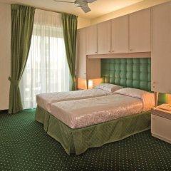 Hotel Cambridge комната для гостей